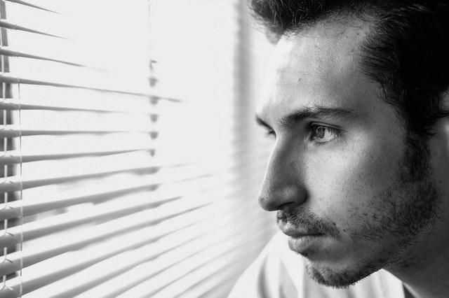 Apprenez à dissocier l'émotion des souvenirs traumatisants