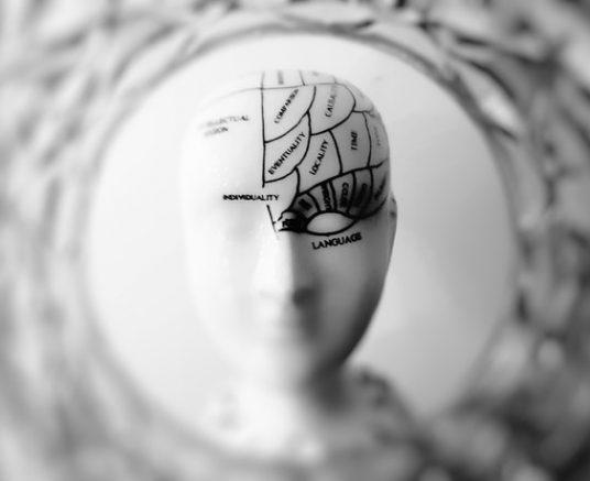 (Français) Comment l'amnésie post-traumatique impacte l'adulte ?