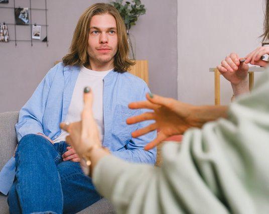 Traumatisme, stress : quand est-il utile de suivre une psychothérapie ?